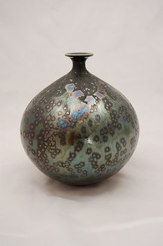 Hideaki Miyamura, porcelain, cone 11 oxidation, Yohen crystal glaze