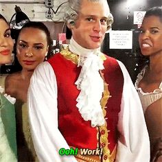 """King George, how do you feel about Brexit? """"I don't care when I'm surrounded by my Schuyler Sisters"""" oooooh werk! Hamilton Broadway, Hamilton Musical, Theatre Nerds, Musical Theatre, Hamilton Fanart, Hamilton Gif, Funny Hamilton, Anthony Ramos, Hamilton Lin Manuel Miranda"""