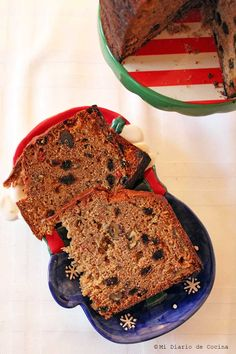 Delicious and simple recipe of German fruit cake, ideal to enjoy in December. Vegetarian Cooking, Cooking Recipes, Chilean Recipes, Chilean Food, Pan Dulce, Round Cakes, Candy Apples, Cake Mold, Cakes And More
