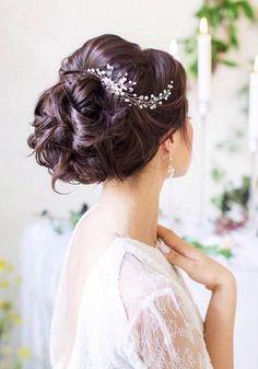 40 + Long Wedding Hairstyles from Evgeniya Lebedeva (Accessories) | Hi Miss Puff - Part 2 / http://www.himisspuff.com/wedding-hairstyles-from-evgeniya-lebedeva/2/