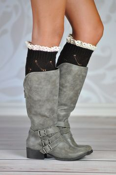 CHESTNUT GEOMETRIC BOOT CUFFS Boot cuffs make your boots stand out every time! These lovely chestnut knitted boot cuffs are the perfect accessory to your favorite boots adding a nice touch with the scalloped white lace around its top rim. The geometric knitting pattern adds a unique look to these hand crafted soft cuffs.