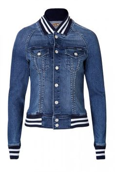 Old-school school gets a sporty remix in Mother's baseball-style jean jacket.The Best Jean Jackets According To Team ZoeThis is a must-have wardrobe basic for any fashionista, so check out our guide to the best jean Denim Toppers To Naviga Best Jean Jackets, Cool Jackets, Jackets For Women, Denim Jackets, Outerwear Jackets, Denim Fashion, Trendy Fashion, Fashion Outfits, Trendy Style