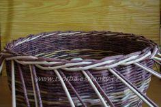 Paper Basket, Wicker Baskets, Paper Art, Decoupage, Recycling, Weaving, Knitting, Ideas, Wall