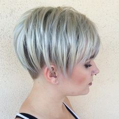 Beauty Ash Blonde Undercut Pixie Your Wedding Budget: Setting And Sticking To It Want to make sure y Choppy Cut, Short Choppy Haircuts, Short Hair Cuts, Short Hair Styles, Pixie Styles, Choppy Bangs, Choppy Layers, Pixie Cuts, Blonde Undercut Pixie