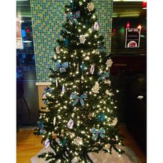 "@sincerelyogurt's photo: ""#ohchristmastree  #yogurt #christmas #froyo #frozenyogurt #sincerelyyogurt #southside #peppermint #happyholidays #thanksgiving #blackfriday #sale #new #comingsoon #pittsburgh #pitt #412 #gym #foodie #follow #like #healthy #fit"""