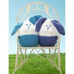 Bunny Buddy in Bernat Pipsqueak - Downloadable PDF. Discover more patterns by Bernat at LoveKnitting. We stock patterns, yarn, needles and books from all of your favourite brands.