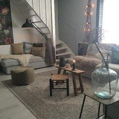 Binnenkijken bij jet Nordic Living Room, Living Room Interior, Home And Living, Living Room Decor, Living Spaces, Decoration Inspiration, Interior Inspiration, Interior And Exterior, Interior Design