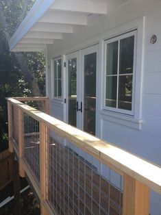 looooooooove these deck rails. perfect in every way.