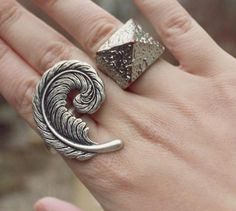 Feather Curl Ring