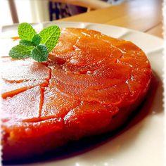 クックパッドの人気レシピを参考にしました。 リンゴ(紅玉)増量して、砂糖10g減らし、アーモンドパウダー10g足りんかった けど、美味しかったぁ〜 - 372件のもぐもぐ - タルトタタン風リンゴのケーキ by mizunoa