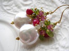Moneda Multi piedras preciosas - Piña Colada moneda pendientes de perlas, pendientes de perlas