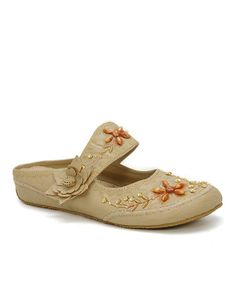 Simply Couture Beige Embroidered Slip-On Shoe. Fringues · Sandales À Bout  Fermé ... c866c65388e4