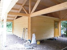 Custom Built Log Cabins for Sale in Scotland    Log Cabins Scotland, roof substricture, morticed and tenons on a big scale !