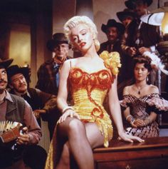 "Image - 1954 / by J.R. EYERMAN... Scène finale du film ""River of no return"" où Marilyn chante la chanson du même nom. - Wonderful-Marilyn-MONROE - Skyrock.com"
