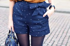 Mustard top for navy shorts - m | Awake (Bons Baisers D'ailleurs)
