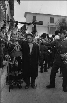 Orce (Granada) 1987 (el Cascaborras). Cristina García Rodero