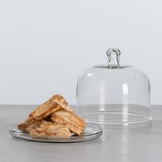 Display your favorite treats in our Glass Pastry Dome. Its simple glass design suits nearly any kitchen style, while also keeping your goodies fresh and covered. Available in three sizes for your varied baking needs. Coffee Center, Glass Design, Butter Dish, Goodies, Sweet Home, Treats, Baking, Magnolia, Dyi