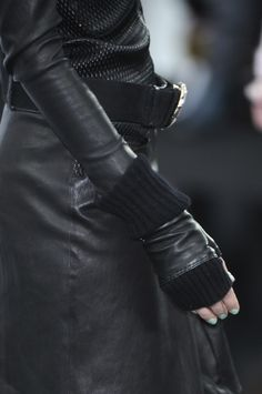 leather + stretchy band + xtra long sleeve + extended arm hole thingy = <3