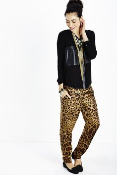 Although I am not a fan of animal print, this is  a nice combo.
