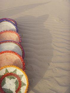 سلال سعف طبيعي مزين بعقال ملون Traditional Baskets, Friendship Bracelets, Closet, Jewelry, Armoire, Jewlery, Traditional Hampers, Jewerly, Schmuck