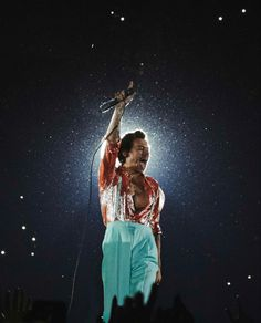 Harry Styles Live, Harry Styles Pictures, Harry Edward Styles, Harry Styles Icons, Harry Styles Wallpaper, H Style, Latest Pics, Music Artists, Tours