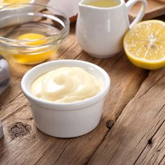 Here is a clean natural mayonnaise recipe that can be used on it's own or as a substitute for traditional mayonnaise in other recipes. Easy Mayonnaise Recipe, Homemade Mayonnaise, Egg Yolk Uses, Egg Yolks, Honey Mustard Salad Dressing, Aioli Sauce, Salad Dressing Recipes, Other Recipes, Scd Recipes