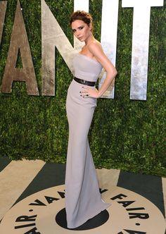 Las 15 mejor vestidas de Glamour: Victoria Beckham http://www.glamour.mx/especial/15-aniversario-glamour/articulos/la-mejor-vestidas-looks-celebridades-alfombra-roja/1625