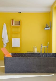 Home Decoracin Ideas Bathroom Yellow 52 Super Ideas Yellow Bathroom Decor, Yellow Bathrooms, Bathroom Interior, Modern Bathroom Design, Bathroom Designs, Bathroom Ideas, Library Wall, Bathroom Windows, Small Furniture