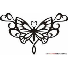 tatouage tribal bas du dos motif papillon