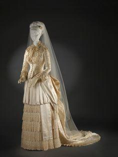 Explore the Cincinnati Art Museum Collection - Cincinnati Art Museum 1880s Fashion, Frock Fashion, Victorian Fashion, Vintage Fashion, Women's Fashion, Western Wedding Dresses, Wedding Attire, Wedding Wear, Wedding Gowns
