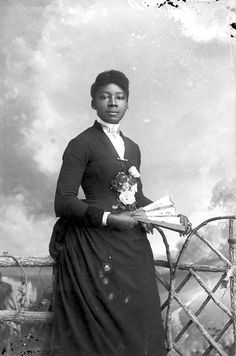 African AmPortraits of African Americans from the Alvan S. Harper Collection (1884-1910)erican Woman