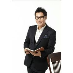 You have to admit that Ji Suk Jin looks pretty good for his age. I always root for the easy brothers on running man. Running Man Korean, Ji Suk Jin, Korean Variety Shows, Korean Celebrities, Man Crush, How To Look Pretty, I Laughed, Bae, Handsome