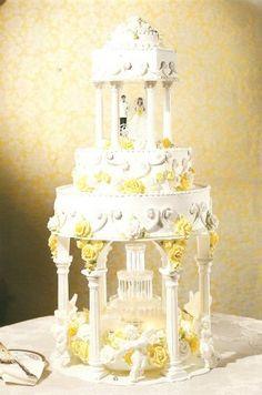 Using Pillars fountain wedding cakes