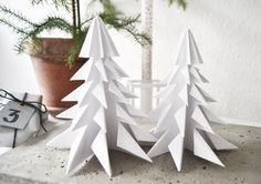 DIY: ORIGAMI CHRISTMAS TREES (via Bloglovin.com )