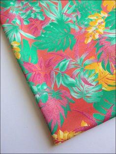 Tissu au mètre jersey polyamide motifs fleurs, feuilles : Tissus Habillement, Déco par atomictissus