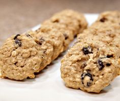 An easy and diabetes-friendly cookie recipe:  oatmeal raisin cookies. Since DiabeticLifestyle includes all nutritional and diabetic exchange information, people with type 1 diabetes and type 2 diabetes know that they're eating well when they make one of our diabetic recipes.