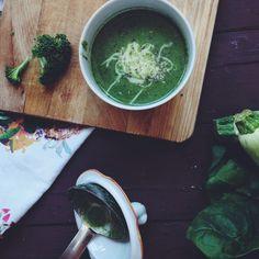 broccoli, spinach, zucchini soup