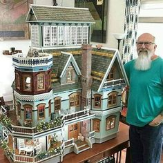 Dollhouse Design, Diy Dollhouse, Dollhouse Miniatures, Miniature Furniture, Dollhouse Furniture, Victorian Dollhouse, Victorian Homes, Tiny World, Sims House