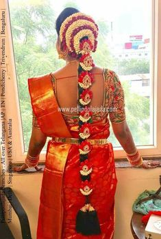 South Indian Bride Hairstyle, Indian Wedding Hairstyles, Bride Hairstyles, Maggam Work Designs, Hand Bouquet, Jada, Corsage, Indian Wear, Wrap Dress