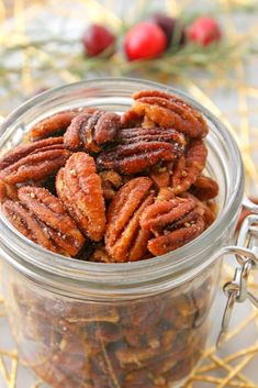 These Honey Roasted Pecans use simple ingredients and take less than 20 minutes to roast! Honey Roasted Pecans, Spiced Pecans, Roasted Nuts, Party Dip Recipes, Snack Recipes, Cooking Recipes, Pecan Recipes, Blackberry, Healthy Snacks