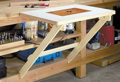 Woodworking Bench Fold Away Router Table - If you're looking for ideas to build a router table, read this page. We've collected 39 of the best DIY router table plans, videos, and PDFs. Learn Woodworking, Woodworking Workbench, Popular Woodworking, Woodworking Furniture, Woodworking Projects, Custom Woodworking, Youtube Woodworking, Woodworking Equipment, Woodworking Magazine