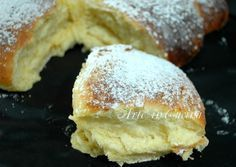 pan brioche soffice senza burro al limone (can also do orange) Köstliche Desserts, Delicious Desserts, Dessert Recipes, Yummy Food, Bakery Recipes, Cooking Recipes, Sweet And Salty, Sweet Bread, I Love Food