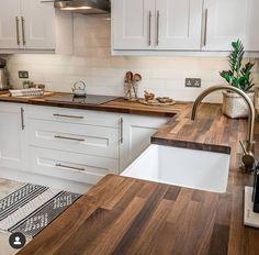 Home Decor Kitchen, New Kitchen, Home Kitchens, Kitchen Dining, Kitchen Small, Small Kitchens, Kitchen Ideas, Rustic Kitchen, Vintage Kitchen