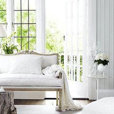 DESDE MY VENTANA: White & Flowers