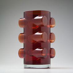 Glass 'Pablo' Vase for Riihimäen Lasi, Glass Design, Design Art, Red Vases, Spirited Art, Vintage Vases, Glass Ceramic, Plexus Products, Scandinavian Design, Art Decor
