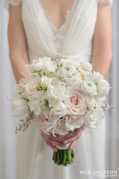Blush roses and white ranunculus #Stoneblossom #wedding #bouquet