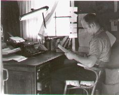Ken Kesey Authors, Writers, Ken Kesey, Beat Generation, Hippie Culture, Writer's Block, Artist At Work, I Love Him, Book Worms