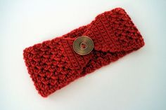 Free headband pattern: Classic Button Holiday Headband