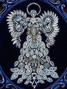 Large-Vintage-Rhinestone-Jewelry-Christmas-Tree-Framed-Angel-Art-16-x-12