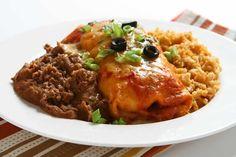 Eine tomatenbasierende, leicht chilischarfe Sauce, um Enchiladas oder andere Gerichte zu überbacken.